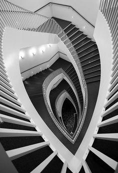 Museum of Contemporary Art in Chicago Aline Architecture unique Amazing Architecture, Art And Architecture, Architecture Details, Chicago Museums, Chicago Art, Chicago Illinois, Linolium, Escalier Design, Stair Steps