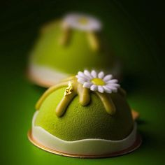 «Azuki , matcha mousse , red bean paste, almond biscuit»