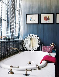 eclectic and opulent bath in this 1907 South African farmhouse