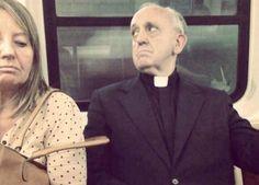 Papa Francisco alienta a sacerdotes y religiosas usar los vehículos más humildes