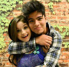 Lutiane New Disney Channel Shows, Spanish Tv Shows, Sebastian Villalobos, Kissing In The Rain, Image Fun, Youtube, Best Friends, It Cast, Couple Photos