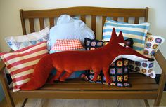 Agnes and I found these fabulous fox cushions. Fox Crafts, Geek Crafts, Crafts To Make, Arts And Crafts, Fox Pillow, Fabulous Fox, Fox Toys, Fox Decor, Fox Art