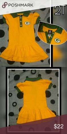 Authentic NFL Packers 2T dress Adorable authentic Green Bay Packers toddler dress. New condition, size 2T. NFL TEAM APPERAL KIDS Dresses