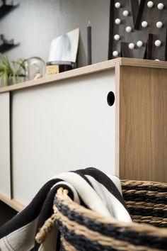 dressoir / cabinet / oak / sliding doors / wood  www.opsmuk.be