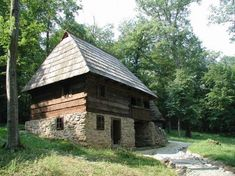 Imagine similară Houses, Cabin, Traditional, House Styles, Home Decor, Architecture, Homes, Decoration Home, Room Decor