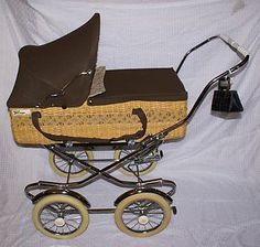 Beautiful Vintage Peg Perego Elite Stroller Pram Carriage with collapsible under carriage.  Rare functional prop or collectible.  Be the envy of the neighborhood when you are seen walker your little darling down the street in this.