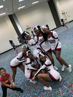 Six black Female Cheerleaders Cheerleading Cheers, College Cheerleading, Cheerleading Pictures, Cheerleading Uniforms, Cheer Picture Poses, Cheer Poses, Black Cheerleaders, Football Cheerleaders, Cheer Team Pictures