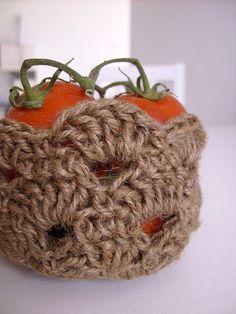 Jute twine ecological bowl or basket- PDF crochet pattern by CasaDiAries, via Flickr