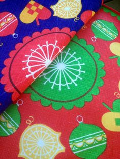 60s Swedish pair of round tablecloths for christmas. Retro Vintage. Nice colors, in good condition