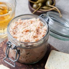 Smoked salmon and cheese spread, pate, crackers By annapustynnikova¡¯s photos , Fresco, Salmon Spread, Smoked Salmon Dip, Baguette Bread, Easy Salmon Recipes, Cheese Spread, Best Sandwich, Appetizer Dips, Salad