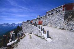 Gli ultimi tornanti, prima del Forte adibito a Museo.
