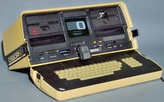 https://flic.kr/p/qFUdab   Osborne 1A beige/black case portable microcomputer, 1981 - Osborne Computer Corp., Hayward, Calif.   *Zilog Inc. Z80 8-bit microprocessor (MPU) at 4.0 MHz *64-kB DRAM main memory *Twin single-density drives, handling 90kB-capacity 5-1/4-inch floppy disks *Digital Research CP/M 2.2 disk operating system (DOS) *Operational - CP/M and applications were loading as the photo was taken  history-computer.com/Library/Osborne1TechnicalManual.pdf  Weight = 25 lb = 11 kg…