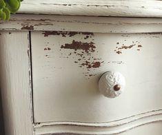 Old Barn Milk Paint Sweet Cream @paintedhomegoods