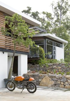 Fiona MacLennan, Ken Norrish and Family — The Design Files Building A Cabin, Dry Stone, Outdoor Spaces, Outdoor Decor, The Design Files, Australian Homes, Modern Architecture, Australian Architecture, Residential Architecture