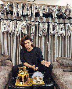 Birthday Wishes Cake, Happy Birthday Baby, Birthday Cake Smash, Teen Celebrities, Cute Girl Drawing, Indian Man, Social Media Stars, Cute Girls, Fun