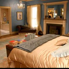 Blair Waldorf's bedroom. I love the wall color.