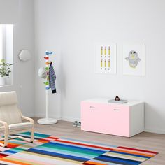 STUVA / FRITIDS Bench with toy storage, white, light blue, 35 After a fun day at home there are toys everywhere. This bench has space for all of them – simply open the box and put things away. Kids Storage Bench, White Storage Bench, White Bench, Children Storage, Red Bench, Ikea Bedroom Storage, Ikea Toy Storage, Storage Boxes, Storage Ideas