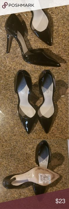 ALDO SEXY PUMPS Sexy ALDO Black pumps. Pointed toe. In EXCELLENT condition. Worn once for just a couple of hours. Perfect with your favorite little black dress. Woman's size 6 1/2.   Shoes, high heels, pumps, woman's fashion, spike heel, like new, hot, party, cocktail, date night, business Aldo Shoes Heels