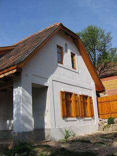 Csóka Balázs - Pilisi vályogház bővítése Building Materials, Software Development, Countryside, Sweet Home, Shed, Outdoor Structures, Cabin, Rustic, House Styles