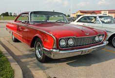 1960 Ford Galaxie Starliner 2-Door Hardtop Coupe