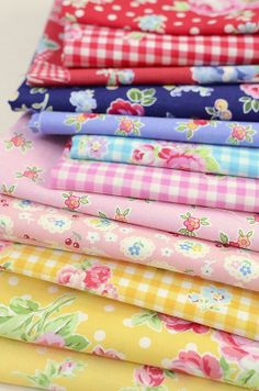 New Fabrics! Look at what Ellis and Higgs has in her pile, PKP and some flower sugar.. yummy