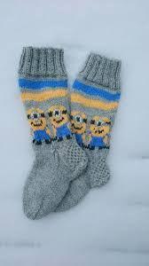 Bilderesultat for arne Arne And Carlos, Knitting Socks, Minions, Knit Crochet, Gloves, Footwear, Legs, Cuffs, Barn