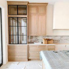 Interior Design Kitchen, Kitchen Decor, Casa Wabi, Built In Hutch, Home Remodeling, Home Kitchens, Kitchen Remodel, Sweet Home, New Homes