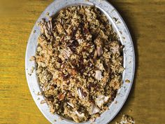 Kachi Yakhni Biryani (Hyderabadi-Style Steamed Chicken and Rice) Biryani from the south-central Indian city of Hyderabad is something special: The dish is served in many parts of the subcontinent, but. Fried Fish Recipes, Rice Recipes, Indian Food Recipes, Chicken Recipes, Saveur Recipes, Arabic Recipes, Indian Foods, Indian Snacks, Curry Recipes