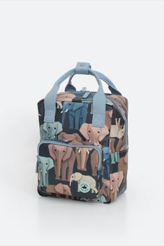 Backpack with wise elephants. Together the elephants form a beautiful color palette on a dark blue background. Nice sturdy kids' backpack with a zippered pocket at the front for small items. On the inside of the bag you will find a pocket over the entire back that closes with velcro. The main compartment is spacious and has a reinforced bottom, which keeps the bag in good shape. You can store a surprising amount of stuff in this backpack. #backtoschool #backpack Case Studio, Dark Blue Background, Pet Bottle, Kids Backpacks, Penguins, Diaper Bag, Zipper, Bags, Elephants
