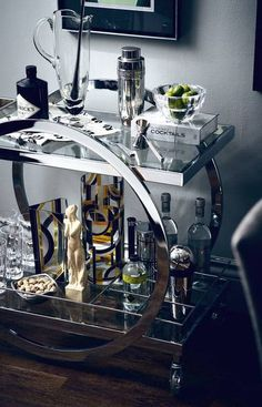 The secret to the Holidays is a well-stocked bar! Get tips and tricks for creating your own ultimate home bar for the holidays, from Indeed Decor. Home Bar Decor, Bar Cart Decor, Bar Trolley, Bar Carts, Drinks Trolley, Home Bar Accessories, Decorative Accessories, Outside Bars, Drink Cart