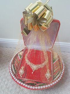 Indian Wedding Gifts, Desi Wedding Decor, Indian Wedding Decorations, Wedding Crafts, Bridal Gift Wrapping Ideas, Wedding Gift Baskets, Engagement Decorations, Engagement Gifts, Engagement Gift Baskets