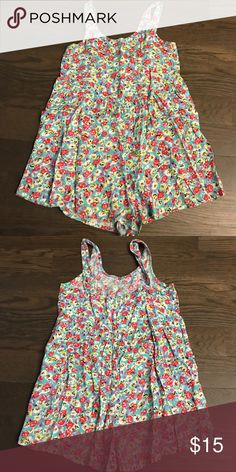 Girls Billabong Romper - Size Small Cutest. Great condition. Billabong Floral Romper. My daughter wore a tank until this. Oversized look and super cute. Size Small (6/7). Please ask if you have questions. Thank you! Billabong Bottoms Jumpsuits & Rompers