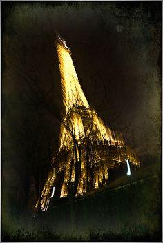 Eiffel on fire !!!