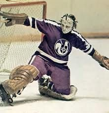 Gerry Cheevers flashes the pads for the WHA Cleveland Crusaders Hockey Goalie, Hockey Games, Ice Hockey, Stars Hockey, Sports Stars, History Of Hockey, Boston Bruins Hockey, Nhl Logos, Goalie Mask
