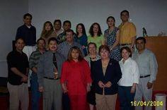 Dr. Cornelio Hegeman decano de asuntos académicos del Seminario Internacional de Miami (MINTS) y grupo de estudiantes del curso de Cristología en el centro de estudio Proyecto de Vida en Cd. Juárez Chihuahua México.