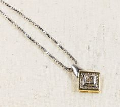 """Beautiful Sparkling Ladies 14K Yellow & White Gold 0.30ctw Diamond Cluster Pendant with 16"""" Box Necklace Chain - 7.3 grams FREE SHIPPING! $499.00"""