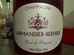 #Champagne #Larmandier-Bernier Rosé de Saignée, parfait pour un apéritif de printemps, de belles bulles affriolantes agacent avec plaisirs le palais.