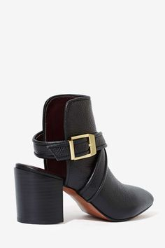 Report Turner Leather Bootie | Shop Shoes at Nasty Gal