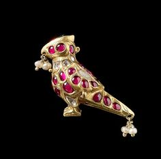 Bird-Shaped Ornament or Finial Object Name: Ornament Date: Geography: South India Medium: Gold, inlaid with diamonds, rubies, and emerald, with hanging seed pearls; Antique Jewellery Designs, Antique Jewelry, Vintage Jewelry, Jewelry Design Earrings, Jewelry Art, Fashion Jewelry, Jewelry Drawing, Unusual Jewelry, Art Nouveau Jewelry