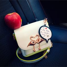 #EvaChen - DIGITAL INFLUENCER / New York, USA / Charm of Wisdom: 'An apple a day keeps the doctor away'