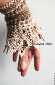 Crochet mittens by leta crochet bracelet Freeform Crochet, Bead Crochet, Cute Crochet, Crochet Lace, Crochet Edgings, Crochet Bracelet Pattern, Crochet Beaded Bracelets, Crochet Mittens, Crochet Gloves