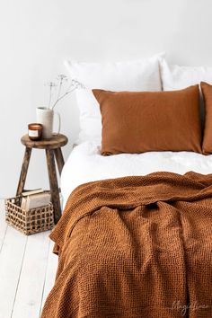 Wrap yourself in luxury with our beige waffle blanket. Soft, luxury linen blankets, cozy waffle weave. For modern to rustic interiors. Room Ideas Bedroom, Bedroom Inspo, Dream Bedroom, Fall Bedroom Decor, Bedroom Apartment, Home Bedroom, Fall Apartment Decor, Nature Bedroom, Lego Bedroom