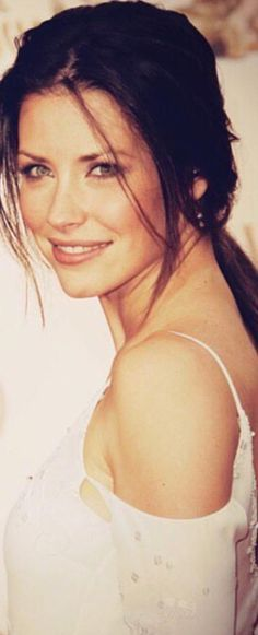 If I woke up tomorrow as Evangeline Lilly, I wouldn't be disappointed.