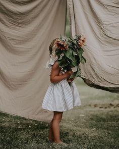 Solrosor, Hollies och mitt alldeles egna lilla odlingsprojekt! 🌻Vi har satt massvis med solrosor av olika sorter och vi hoppas på en hel djungel i sommar, kan ju inte bli annat än magiskt tänker jag!😌🍃 Bridesmaid Dresses, Wedding Dresses, Anna, Inspiration, Instagram, Baby, Fashion, Bridesmade Dresses, Bride Dresses