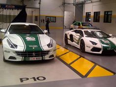 The Dubai Police recently upgraded its patrol fleet with the Ferrari FF being the latest sports car to be added to the family, a week after the Lamborghini Aventador took to the streets. The FF, which retails at approximately goes from 0 to 100 Luxury Sports Cars, Cool Sports Cars, Sport Cars, Cool Cars, Vs Sport, Dubai, Car Photos, Car Pictures, Ferrari Ff
