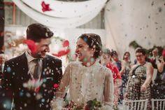 Alba y Toni, boda en una nave abandonada | AtodoConfetti - Blog de BODAS y FIESTAS llenas de confetti