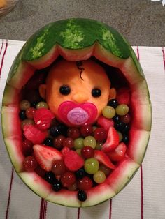 New Fruit Salad Decoration Food Art Baby Shower 17 Ideas Gateau Baby Shower, Deco Baby Shower, Shower Bebe, Baby Shower Themes, Baby Boy Shower, Baby Shower Gifts, Shower Ideas, Food For Baby Shower, Baby Shower Fruit Tray