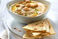Hummus s grilovanými tortillami Healthy Cooking, Cooking Tips, Tahini, Cheeseburger Chowder, Curry, Soup, Diet, Ethnic Recipes, Homemade Hummus