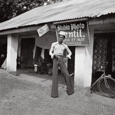 Samuel Fosso, Self-portrait, 1976-77
