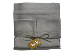 Linoto 100% linen bed, bath home nasce nel 2007 a New York, nell'area del Garment District precisamente tra settima Avenue e trentanovesima street, ad opera di Jason Evege, affermato stilista della fashion industry americana.  http://www.madeintuscany.it/site/dt_portfolio/linoto-homeware/